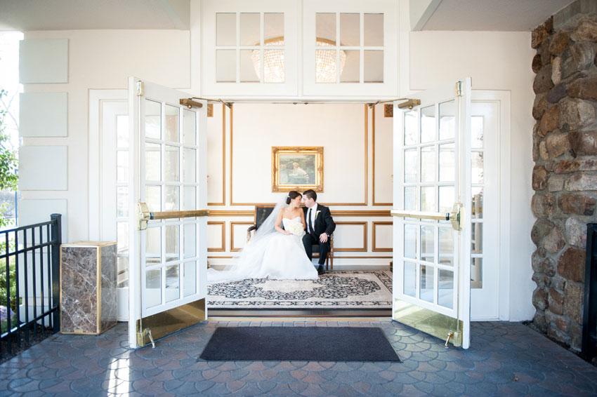 100-mikkelpaige-new_jersey_crystal_plaza_winter_wedding