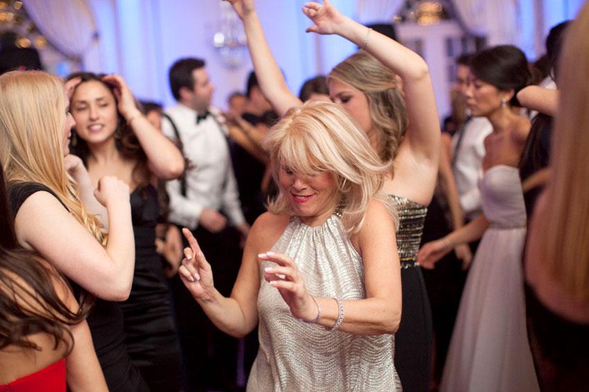 360-mikkelpaige-new_jersey_crystal_plaza_winter_wedding-reception