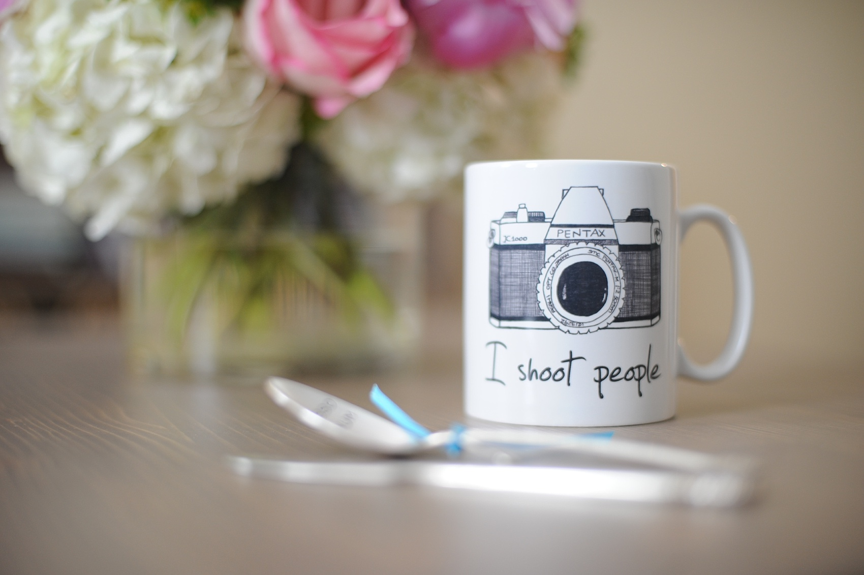photographer gifts i shoot people mug and stamped flatware