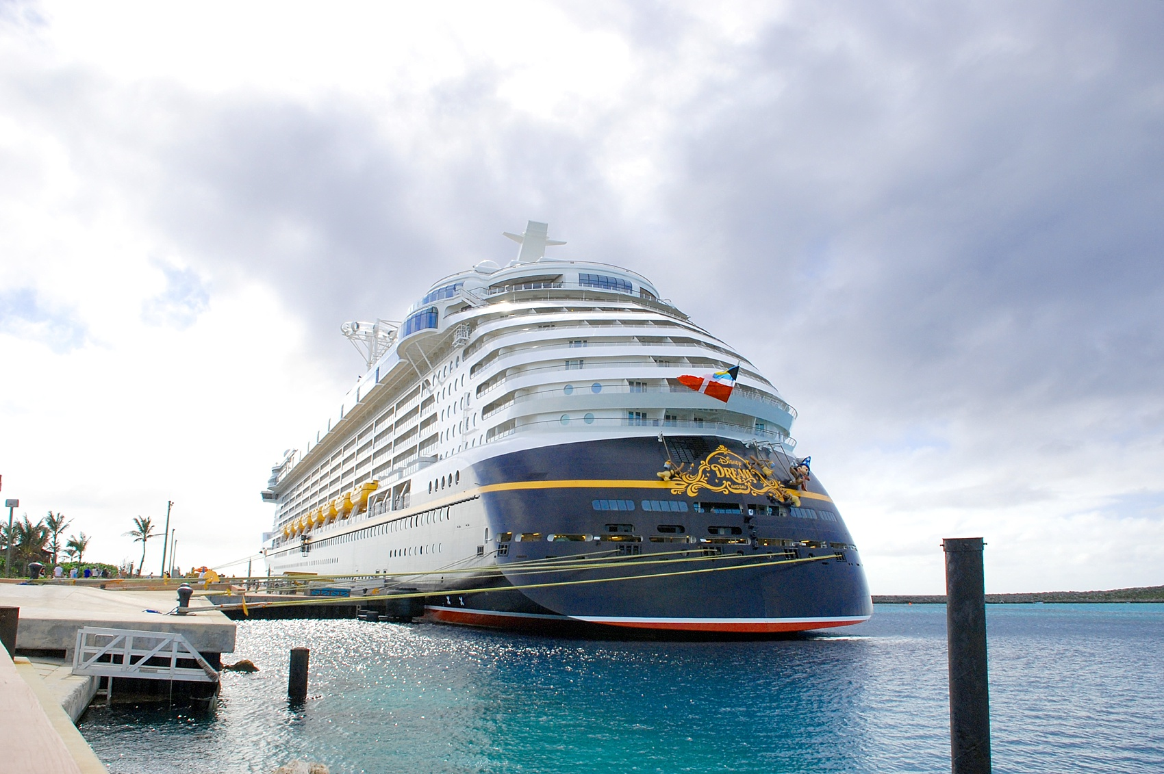 Disney Cruise Line, Disney Dream Wedding, Castaway Cay. DCL images by Mikkel Paige Photography. Shipped docked.