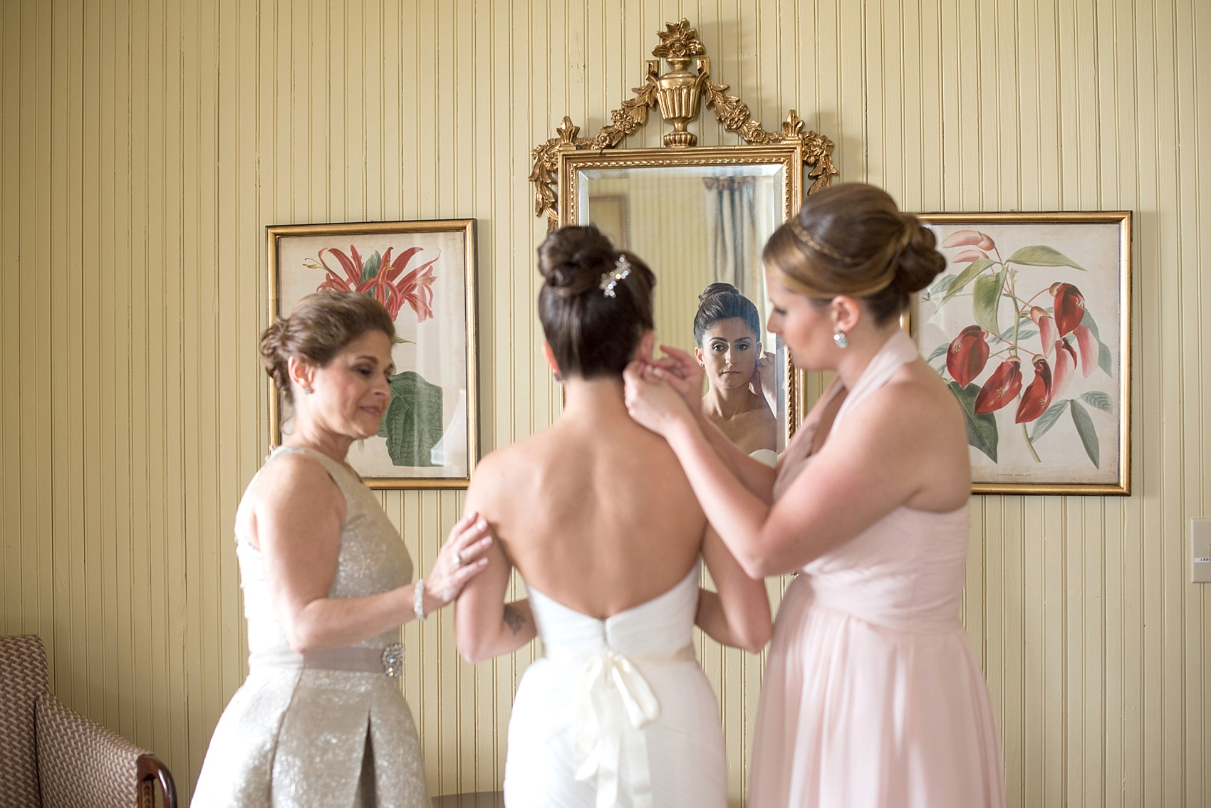 Southern wedding photos by Mikkel Paige for a Hilton Head, Haig Point, South Carolina wedding. The bride gets ready with her mom and maid of honor.
