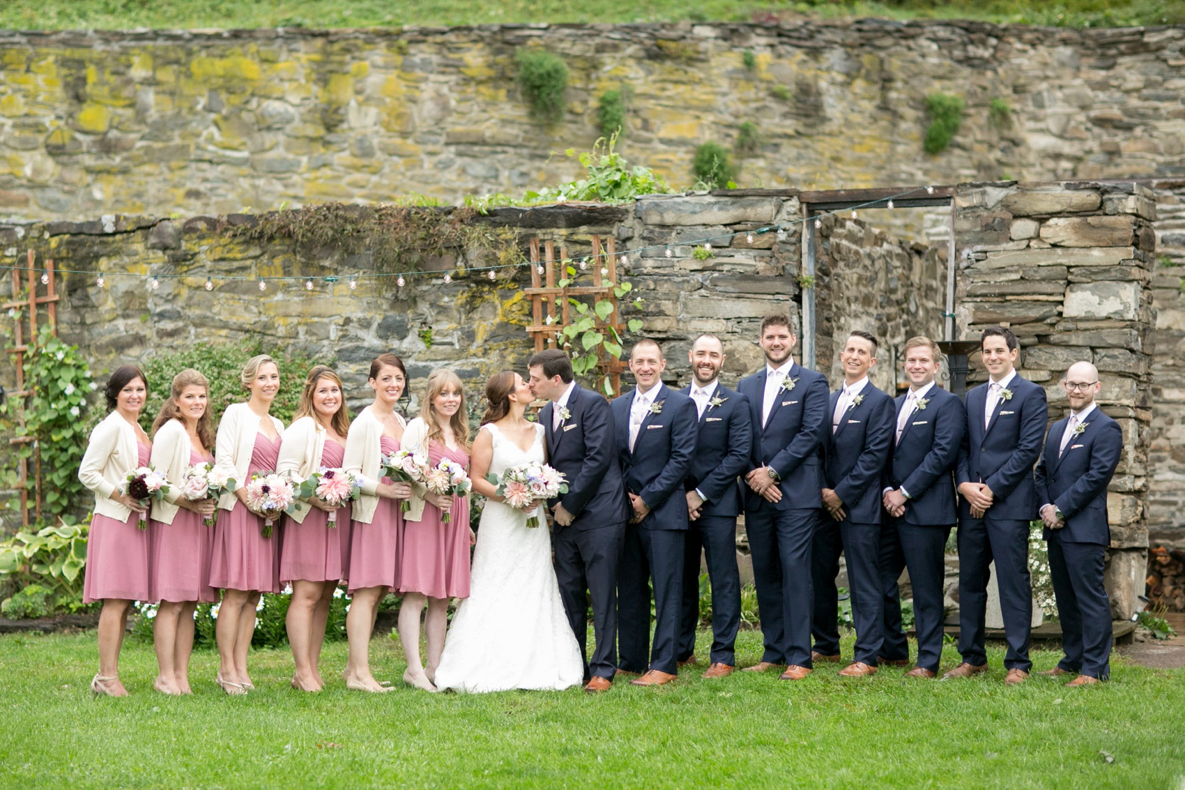 Red Maple Vineyard Wedding Photos Erinn Brett Raleigh And Nyc Wedding Photographer Mikkel