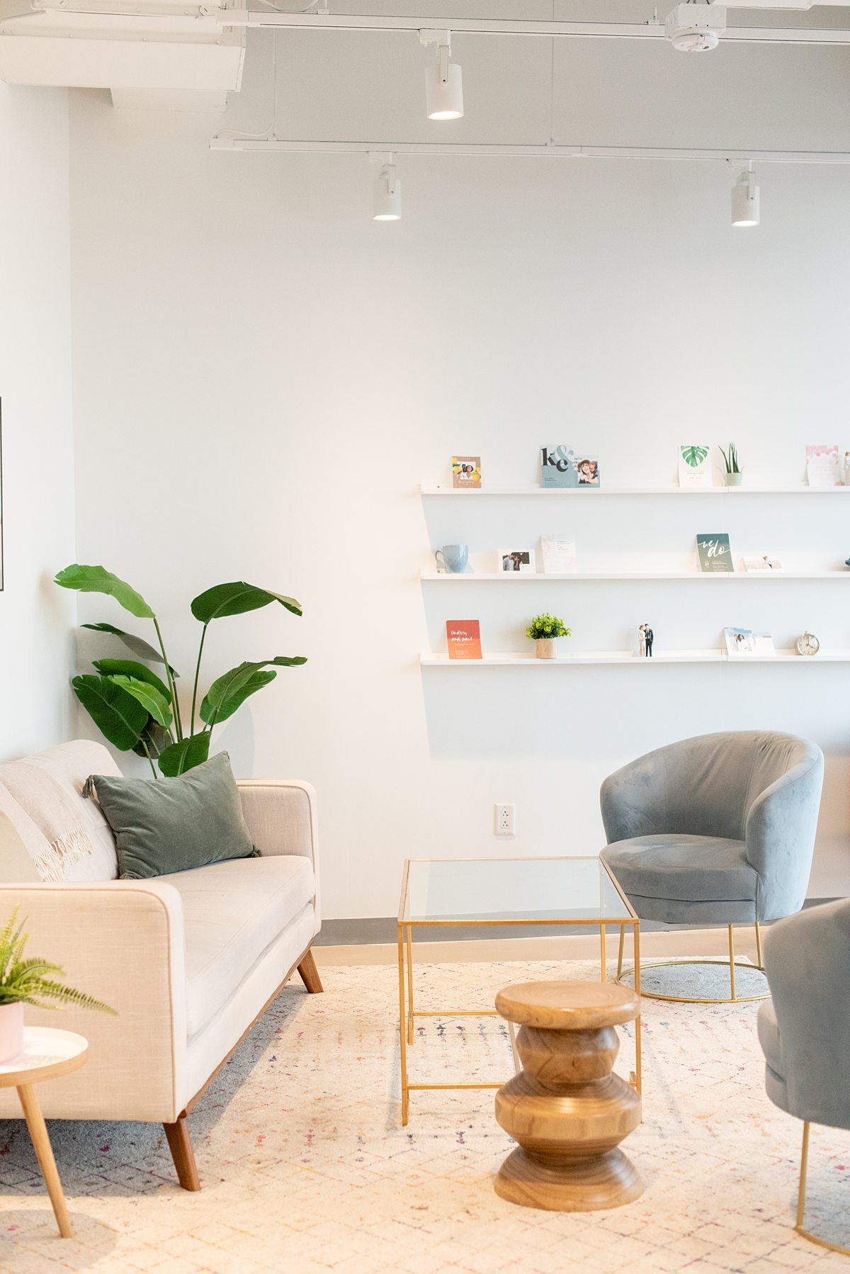 Zola Headquarters has a demo room with their stationery and beautiful furniture to co-work. We take a look behind the scenes of the wedding website and app HQ in NYC, with Mikkel Paige Photography.